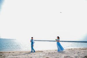 洋装ロケーション前撮り人気のビーチがおすすめ