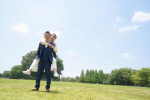 名古屋の人気前撮りロケーションフォトウェディング洋装ポーズ