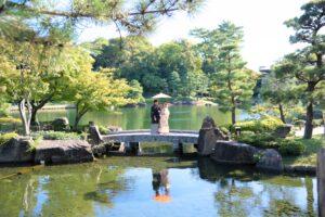 名古屋の徳川園で和装ロケーション前撮り相合傘