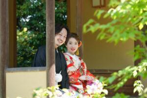 日本庭園でロケーションフォト前撮りウェディングフォト